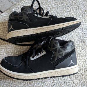 Kids  Nike Jordans sz 13c